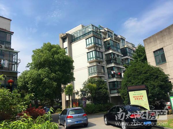 出租仁皇山庄单身公寓4楼良装1350/月联系15957271811微信同号