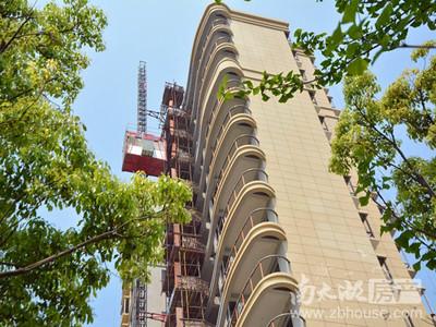 御湖天誉26楼120平三室2厅2卫简装,满2年149万看房方便阳光好诚心价可协