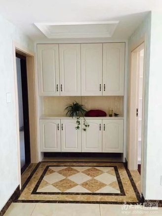 卡丽兰豪装 带储藏室12.45平 看房13957257861