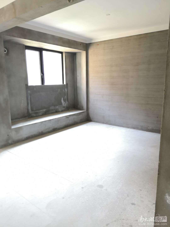 太湖兰庭排屋共4层6室3厅2卫毛坯