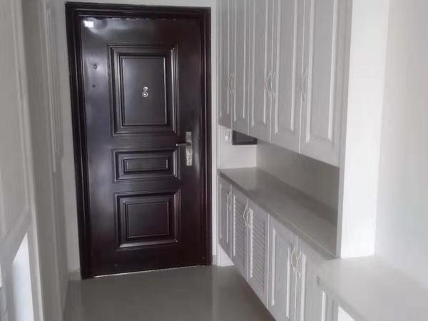 """金色水岸满二年""""爱山、五中""""精装修单身公寓出售"""