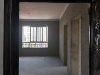湖东家园5楼,75方,标准套型,两房朝南。有带小阁楼。