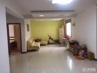 出售00877 富丽家园 4楼 三室二厅 精装修 带自行车库