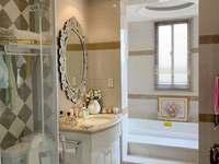 1685独家出售西西那堤20F 23F 产证127平东边套3室2厅2卫豪华装修