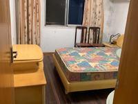 月河小区 90平 三室两厅 良装2000元 带自行车库