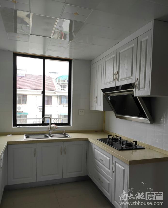 龙溪小区 73平 两室一厅 精装2400元 家具家电齐