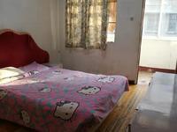 人民新村繁华地段2楼公寓良好装修低价出租