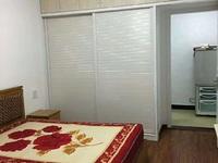 吉山新村1楼带院子精装一室一厅家电家具齐全