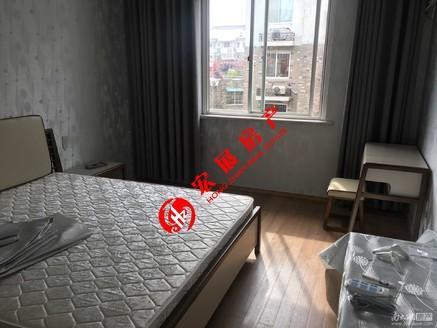 41679河畔居 精装三室标套 市中心地段优质楼层拎包入住