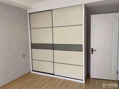 出售 凤凰二村 2楼 二室一厅 二室朝南 车库独立 2年内
