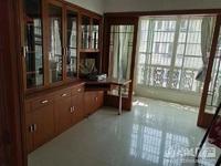 富丽家园115.6平米,装修,三室两厅一卫,满年,135.8万,1.18万 平,