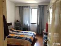 H141市陌小区一楼带双院。两室半两厅,位置好阳光无遮挡,较好装修拎包入住