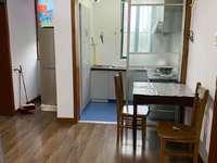 吉山四村中间楼层 两室半标准户型 明厨明卫 较好装修 满两年