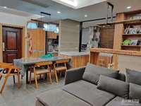 出售田盛园车库上1楼92.58平,三室二厅,精装,车库18平,满2年,148万