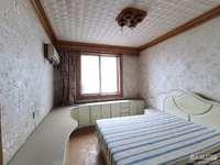 5011出售湖东小区 4楼 二室二厅 标套 满5年 诚心价可协