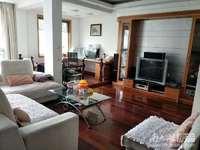 港湖西区 五楼带阁楼 产证142.6平 阁楼赠送一半面积175万,5室两厅两卫