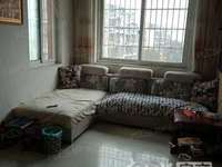 急售金龙家园4楼51.2平,2室1厅房东自住,车库独立,满2年,73万