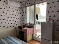 明都锦绣苑单身公寓3楼,面积30平,精装修拎包入住,报价42万,带个大露台