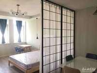 出租春江名城 50平 一室一厅 精装修 1600元每月 家电齐全 拎包入住