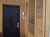 3室2厅2卫120平米3300元/月住宅
