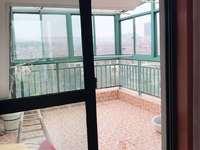 仁皇山庄五楼带阁楼,楼下117.62平米,楼上68.17平米5室两厅两卫