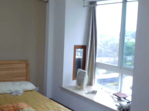 出租江南华苑1室1厅1卫42平米1700元/月住宅