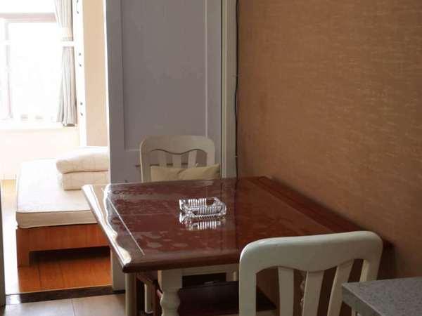 01金色水岸26楼一室半朝南东边套精装家电齐全2400/月包含物业宽带