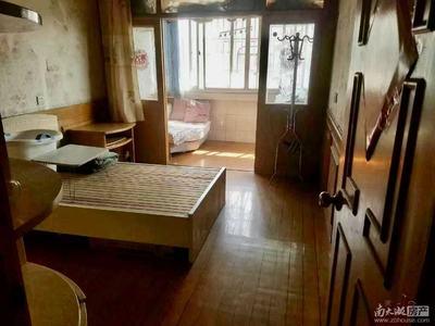3421 文苑小区6楼 94平三室一厅良装 家具家电齐 1600有钥匙