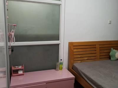 3425 余家漾B区2楼60平 30平露台 两室两厅 精装 家具家电齐2000
