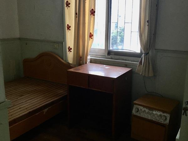 3451 文苑小区5楼 77.31平 三室一大厅 良装 家具家电齐 天然气开通
