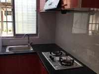 3452 吉山二村1楼 50平一室一厅一厨一卫精装家具家电齐 带院子1250