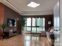 1735龙庭小区高层11楼三室两厅精装修,家电齐全,车位另售