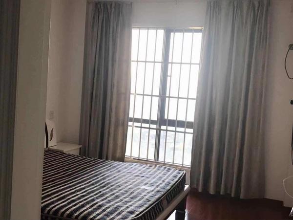 长岛府23楼 89.9平 2室2厅 精装修 家电齐全 满两年 报价168万