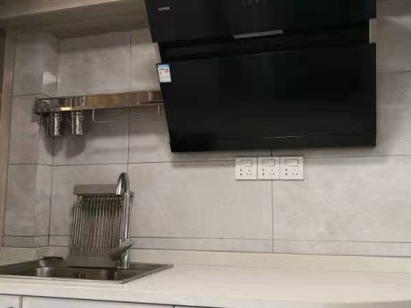 出租 明都北楼 单身公寓loft自住精装 有油烟机可做饭