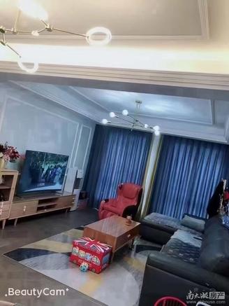 星汇二期13楼125平河景房,自住豪装三室二厅二卫一衣帽间,满两年,175万!