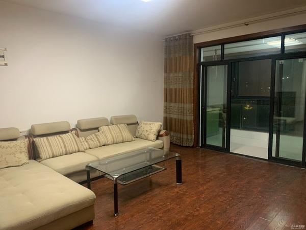 出租 汀洲苑 3三室两厅二卫 良好装修 空2个 独立自行车库