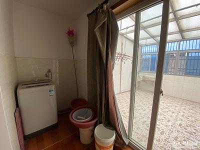 八里店前村安置房,桂花苑,5楼 180平左右 ,自住精装无证