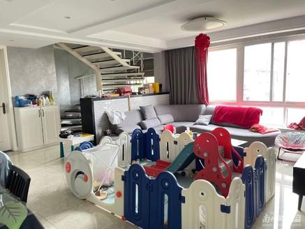 阳光城 五室两厅 共三层 精装 四个朝南房间
