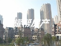 天河理想城28F面积93方三室两厅112.8万