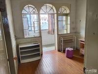 市陌西区5楼60平 两室两厅 独立车库 1000元/月
